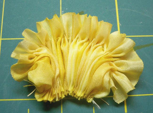 3 pleated petals