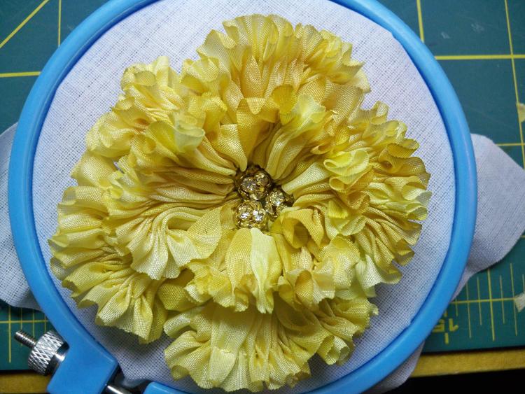 5 pleated flower