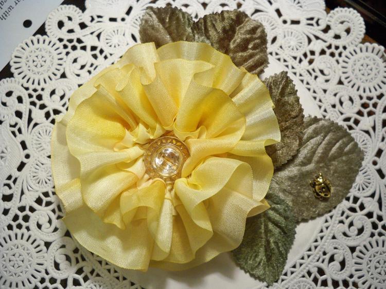 7 pleated flower