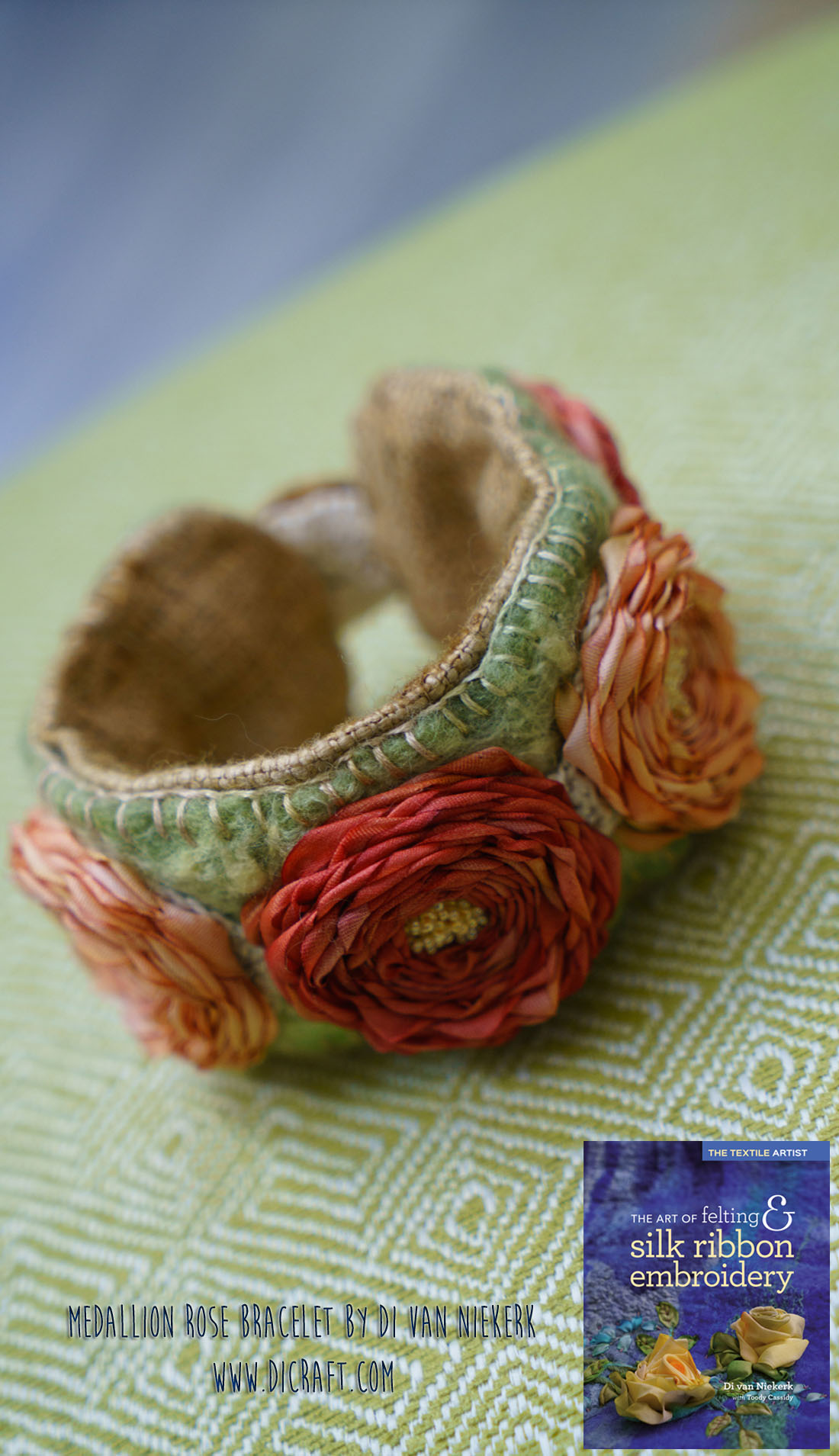 Medallion-Rose-bracelet